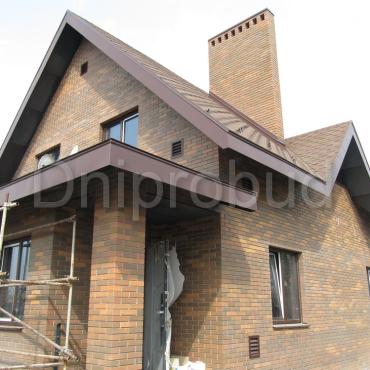 Дом, облицованный клинкерным кирпичом