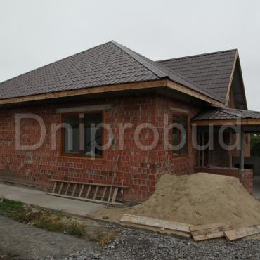 Одноэтажный дом с цокольным этажом